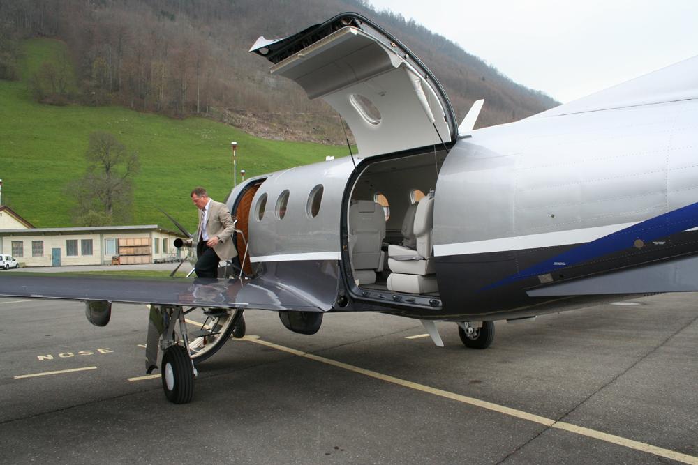 Pilatus PC12 NG cargo door